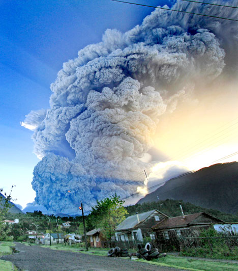 Volcano_Eruption_Picture57