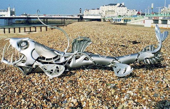 hub-cap-sculpture-beach-steel-sculpture