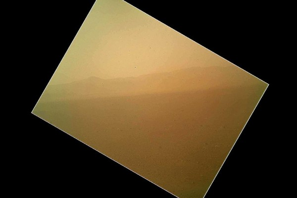 first-curiosty-pic-from-mars