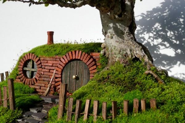 bonsai-baggins-hobbit-home-by-chris-guise-4