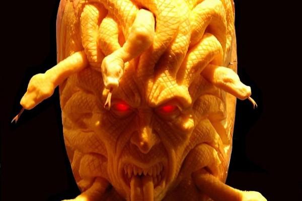 Cool-Medusa-Pumpkin