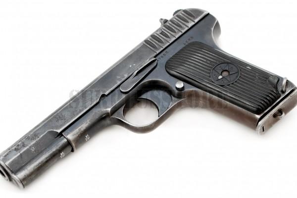 deactivated-tokarev-tt-pistol-1
