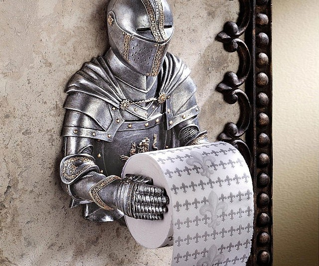 medieval-knight-toilet-paper-holder-640x533