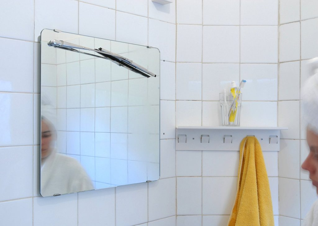 steamy-mirror-window-wiper