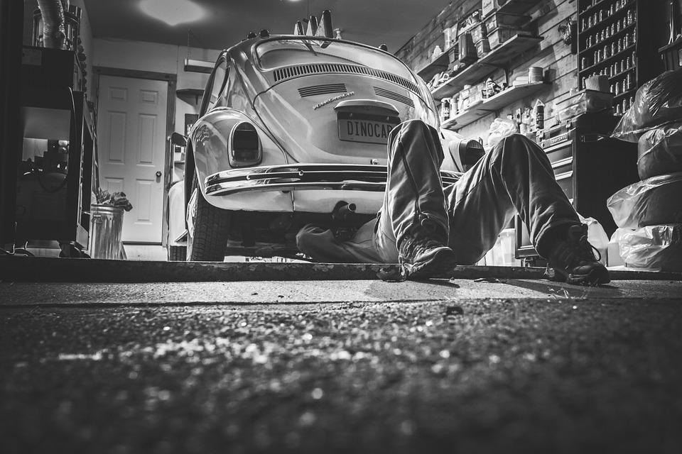 car-repair-362150_960_720