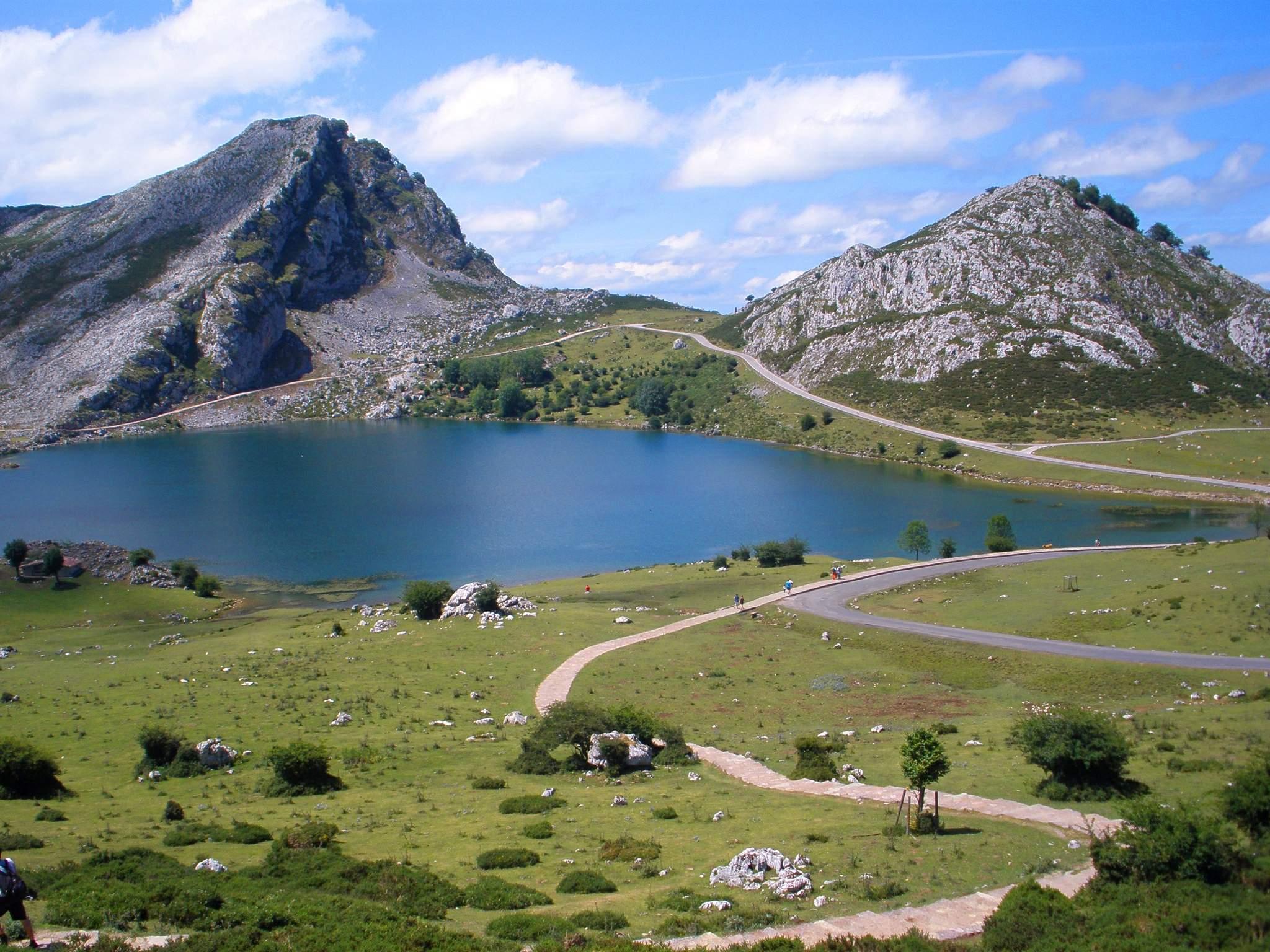 Covadonga_-_Lago_Enol_09